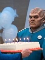 The Orville : Saison 2 Episode 5, Tout le monde est un gâteau d'anniversaire