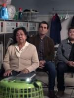 Modern Family : Saison 10 Episode 15, SuperShowerBabyBowl